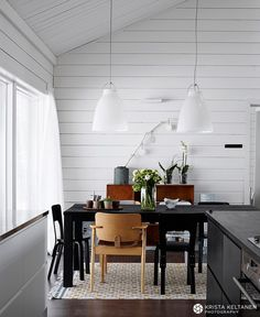 Scandinavian dining room, photo Krista Keltanen