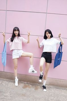 Find images and videos about girl, fashion and pink on We Heart It - the app to get lost in what you love. Cute Fashion, Asian Fashion, Look Fashion, Girl Fashion, Fashion Outfits, Ulzzang Fashion, Ulzzang Girl, Couple Avatar, Korean Girl