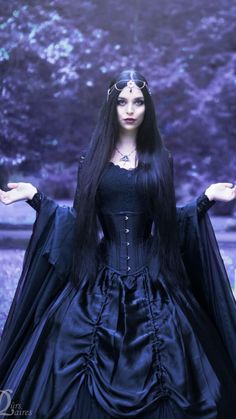 Gothic Models, Gothic Dress, Victorian Gothic, Gothic Beauty, Nice, Outfit, Clothes, Beautiful, Dresses