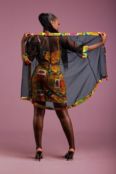 Kente Kimono Ensemble Complet par hintof-print - Robes courtes - Afrikrea Source by debritoemilie fashion dresses African Fashion Ankara, Latest African Fashion Dresses, African Inspired Fashion, African Print Fashion, Africa Fashion, Latest Dress, Latest Fashion, Short African Dresses, African Print Dresses