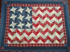 American Flag Quilt Quilting Projects, Sewing Projects, Quilting Ideas, Sewing Ideas, American Flag Quilt, Patriotic Quilts, Quilt Of Valor, Patriotic Decorations, Blue Quilts