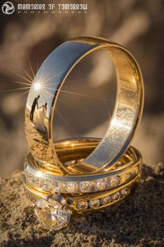 Wedding Pictures These Wedding Ring Photos Have Reflections of the Newlyweds - Here's a neat way to take your photos of wedding rings to the next level: include the couple in the reflections. Wedding photographer Peter Adams-Shawn of Wedding Poses, Wedding Photoshoot, Wedding Shoot, Wedding Engagement, Engagement Photos, Wedding Rings, Engagement Rings, Wedding Boudoir, Engagement Ideas