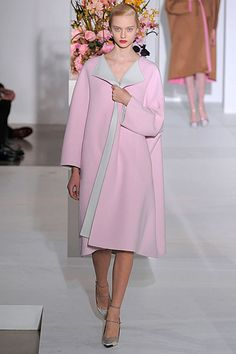 And more simply gorgeous examples of Winter Illumination at Raf Simons last Jill Sander catwalk. Jill Sander AW12/3.