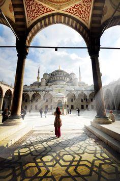 *** Uskrs i 1. maj *** Posetite Istanbul, polasci 11. i 30.04.2015. - 3 noći. Cena od 279 €. Aranžman obuhvata avion + smeštaj + transfer.  Više informacija putem linka: http://www.eurojet.rs/evropski-gradovi/turska/istanbul/index/9252/istanbul-uskrs.html?look