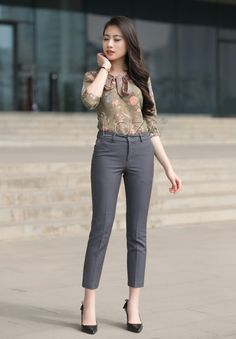 Trousers Women, Pants For Women, Trouser Pants, Clothes For Women, Office Fashion Women, Womens Fashion, Office Dresses, Sexy Jeans, Western Outfits