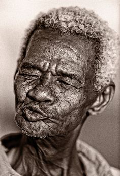 Another Tri-X from the past. I was out in Tanzania shooting a safari lodge and hotel for a client when this old Mzei came up to chat to us. Mad as a badger, but very friendly and with the most superb gurning type of face. Black And White Portraits, Black And White Photography, Portrait Art, Portrait Photography, Tim Booth, Beach Sunset Wallpaper, Hugs And Cuddles, Realistic Pencil Drawings, Face Study
