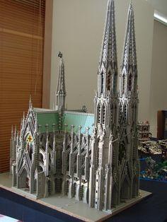 Legos Sagrada Familia