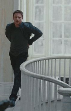 Pinterest can kiss my ass. Yes I've pinned this before, but HELLO... Jeremy Renner swagger... love this gif, and I'm having a particularly bad day when I've just run across this, so yes please.