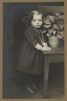 [Untitled] / [Toddler, Westerwald]; August Sander; Westerwald, Germany; 1911 - 1914