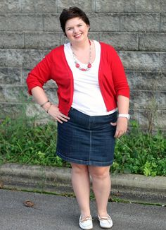 Not feeling the shoes but the outfit is adorbs!!! Hems for Her Trendy Plus Size Fashion for Women