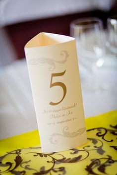 Citromsárga és barna mintás asztali futó menükártyával   Yellow and brown table runner with menu card Place Cards, Place Card Holders, Wedding, Valentines Day Weddings, Weddings, Mariage, Marriage, Chartreuse Wedding