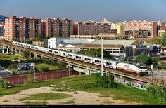 RailPictures.Net Photo: 252.050 Renfe Siemens/Krauss Maffei Eurosprinter at L'Hospitalet de Llobregat (Barcelona), Spain by Lucas Garcia Deiros