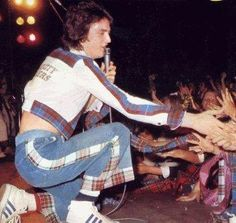 The younger, Les McKeown, giving love to his fans xx Les Mckeown, Bay City Rollers, Special Olympics, Teenage Dream, Growing Up, Eye Candy, Pictures, Photos, Rosetta Stone
