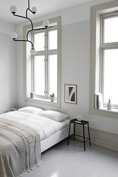 Home Interior Drawing Minimal Interior Design Inspiration Scandinavian Style Bedroom, Swedish Interiors, Scandinavian Home, Grey Interiors, Interior Design Examples, Interior Design Inspiration, Home Decor Inspiration, Design Ideas, Minimal Bedroom
