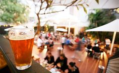 The rustic Courthouse Hotel is full of local favorites. The outdoor space is much more spacious than the indoor space and there's a lively happy hour on Tuesdays from 5-7:30pm. Find more best places to watch the World Cup in Australia: http://pin.it/7HWwkkH