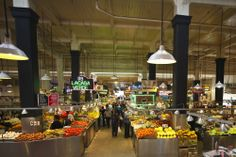 Imagen del colorido Mercado Central en #Broadway. Lugar en donde el pueblo de #LosAngeles consigue sus mejores alimentos. http://www.bestday.com.mx/Los-Angeles-area-California/Atracciones/