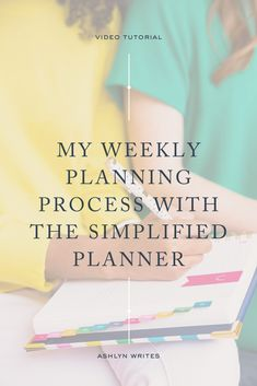 5 Tips to Plan Your Work Week with a Simplified Planner | Ashlyn Writes | Time management tools and productivity tips in your business are key to a successful work week! In this blog post and guide, I share how I use my Simplified Life planner by Emily Ley to schedule my work week in advance to stay on top of timely work tasks. #goalsetting #plannertips #timemanagement Business Entrepreneur, Business Tips, Planner Organization, Office Organization, Organizing, Email Marketing Campaign, Media Marketing, Simplified Planner, Digital Marketing Strategy