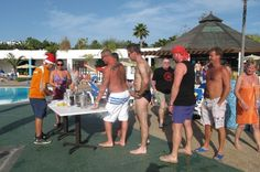 The cocktail activity with Danny, our entertainer at Relaxia Lanzasur Club in Lanzarote have a lot of success!!! I wonder why??? ;)