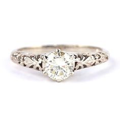 Vintage Ring :) love the seemlessness of the top of the ring to the profile spoon pretty