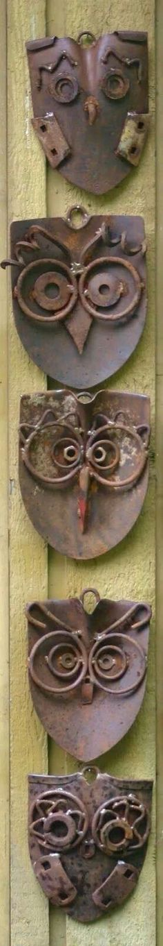 Owls made from old shovels. A parliament of junk art owls by Kathysgardengart, garden art, recycled metal. Metal Projects, Welding Projects, Metal Crafts, Garden Crafts, Garden Projects, Garden Art, Garden Junk, Garden Totems, Garden Whimsy
