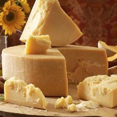 Find here Parmesan Cheese, Parmigiano-Reggiano manufacturers, suppliers & exporters in India. Get contact details & address of companies manufacturing and supplying Parmesan Cheese, Parmigiano-Reggiano across India. High Protein Recipes, Protein Foods, Healthy Foods To Eat, Queso Cheese, Wine Cheese, Thermomix Canada, Great Recipes, Favorite Recipes, Yogurt Chicken