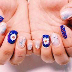 My friend's💅thanks💖 #刺繍ネイル を1本ずつ入れさしてもらいました! . . #vocest#nail#nails#instanail#春ネイル#ネイル#gelnail#gelnails#ジェルネイル#セルフネイル#トレンド#ファッション#ネイルデザイン#instagood#instanail#blue