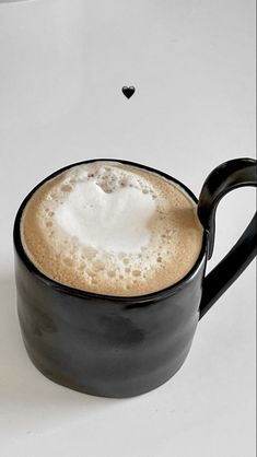 But First Coffee, Coffee Love, Coffee Break, Natural Gel Nails, Aesthetic Food, White Aesthetic, Delish, Food Porn, Tableware