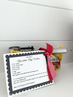 Personalized Wedding Gift Idea! Cookie Jar, Recipe, and Free Printables make this an easy and quick gift for wedding season. -- Tatertots and Jello