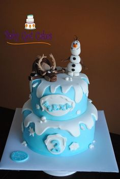 'Frozen' Two Tier covered in fondant with fondant accents. Characters are handmade from fondant. Disney Frozen Party, Frozen Party Cake, Frozen Castle Cake, Disney Themed Cakes, Disney Frozen Cake, Frozen Birthday Cake, Disney Cakes, Frozen Frozen, Birthday Cakes
