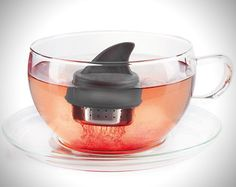 Donkey Shark Fin Sharky Stainless Steel Loose Tea Infuser, Gift Boxed, 1 Inch X 2 Inches Halloween Tipps, Loose Tea Infuser, Design3000, Pause Café, Shark Fin, Shark Week, Tea Eggs, My Tea, Kitchen Gadgets