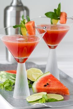 Fresh watermelon juice is used in these delicious Watermelon Mint Martinis. Fun Cocktails, Summer Drinks, Cocktail Drinks, Cocktail Recipes, Fancy Drinks, Martinis, Bar Drinks, Beverages, Watermelon Mint