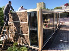Stavba exteriérového sauna domu pokračuje.