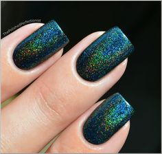 I applied three coats of Gussied Up Green from China Glaze and one coat of Speciallità - Hera