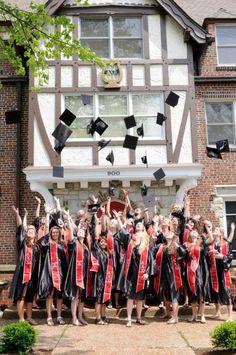 Happy Graduation! - Alpha Chi Omega Alpha Omicron Pi, Alpha Sigma Alpha, Alpha Chi Omega, Sigma Kappa, Theta, Sorority Sugar, Sorority Sisters, Sorority Life, Grad Pics