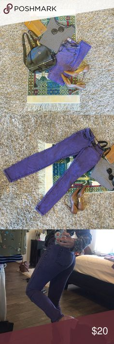 • Lavender Purple Grunge Skinny Jeans • Grunge style skinny jeans from l.e.i. Stretchy material that is super comfortable and easy to get up and be active in! Really pretty lavender lilac in color with black distress marks.  Adorable and unique pair of pants. L.E.I Pants Skinny