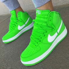 Eventho it looks digitized Dr Shoes, Neon Shoes, Cute Nike Shoes, Rainbow Shoes, Hype Shoes, Sneakers Mode, Cute Sneakers, Sneakers Fashion, Jordan Shoes Girls