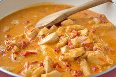 Ein feines und köstliches Rezept für den nächsten Sonntag ist das Paprikarahmhuhn.