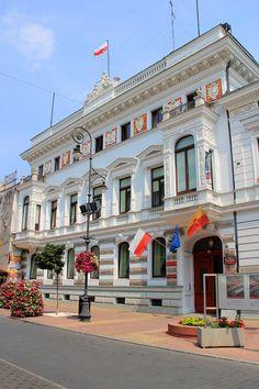 Piotrkowska Street - Lodz, Poland Beautiful Days, The Beautiful Country, Poland History, Heart Of Europe, Warsaw Poland, Krakow, Prague, Croatia, Ukraine