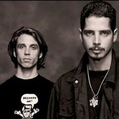 Chris and Matt 💙 Audioslave Chris Cornell, Chris Cornell Young, Seattle, Matt Cameron, Temple Of The Dog, Smiling Man, Most Beautiful Man, Beautiful People, Famous Men