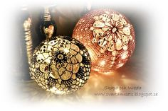 Create and decoration: Crochet Pattern on Light Balls Crochet Christmas Ornaments, Holiday Crochet, Christmas Knitting, Christmas Crafts, Christmas Bulbs, Christmas Time, Crochet Ball, Crochet Home, Crochet Doilies