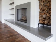10 Amazing Tips Can Change Your Life: Concrete Fireplace Decoration corner fireplace tv stand.Fake Wood Fireplace fireplace cover back porches. Brick Fireplace Decor, Fireplace Seating, Brick Fireplace Makeover, Family Room Fireplace, Concrete Fireplace, Farmhouse Fireplace, Fireplace Hearth, Home Fireplace, Fireplace Remodel