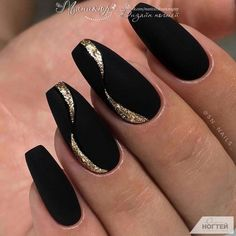 Matte Black Nails Stiletto many Matte Black Coffin Nails With Gold her Clear Pink Matte Nails Acrylic Nails Coffin Matte, Matte Gel Nails, Acrylic Nail Designs Glitter, Manicure Nail Designs, Black Coffin Nails, Gel Nails French, Matte Black Nails, Black Nail Designs, Nails Design