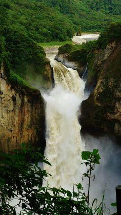San Rafael Waterfall! Amazonia, Ecuador http://www.ecuadorgalapagostravels.ec/index.php?pagina=amztours