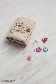 Sew Illustrated - 35 Charming Fabric & Thread Designs: 16 Zakka Projects by Minki Kim and Kristin Esser