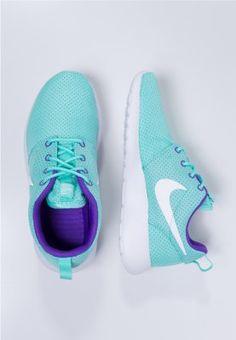 Nike Sportswear - ROSHERUN - Sneakers laag - white/hyper grape/hyper turquoise