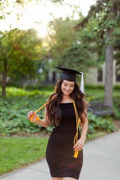 Nursing Graduation Pictures, College Graduation Pictures, Graduation Picture Poses, Graduation Portraits, Graduation Photography, Graduation Photoshoot, Grad Pics, Graduation Pose, Medical Photography