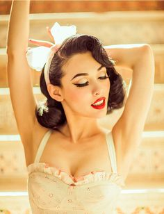 The perfect pageboy style on pin-up icon and model Miss Winny! #SexyHair #VintageHair #PinupHair