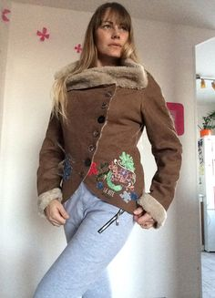 Kupuj mé předměty na #vinted http://www.vinted.cz/damske-obleceni/bundy/10340298-prekrasny-novy-zdobeny-kabatek-desigual
