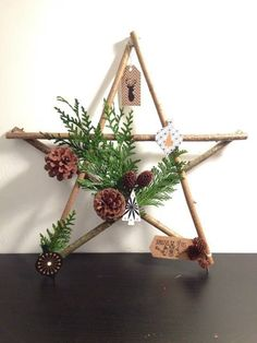 Easy and Simple Christmas Decorations; Home Decor; christmas decor diy Easy and Simple Christmas Decorations Handmade Christmas Decorations, Diy Christmas Gifts, Rustic Christmas, Simple Christmas, Beautiful Christmas, Christmas Home, Xmas, Deco Noel Nature, Navidad Diy