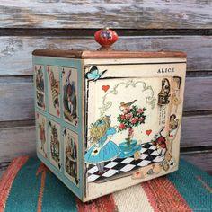 """Comprar """"Todos estamos un poco locos"""" canasta, caja, caja de joyería en la tienda en línea en la Feria de Artesanos"""
